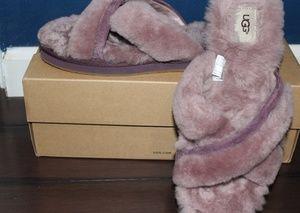 Ugg Abela slippers